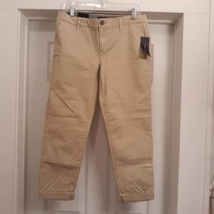 Tommy Hilfiger Travel Khaki pants size 8